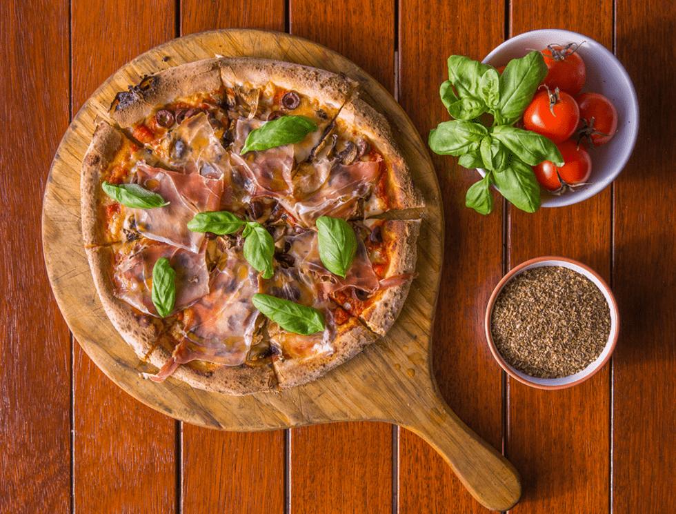 Prosciutto Pizza 01